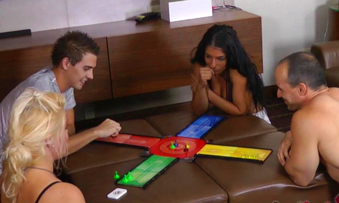 Strip O'Connell with Whitney, AJ, Alexis, and Tony (HD)